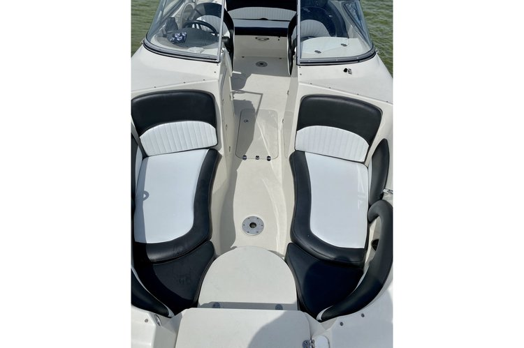 Bow rider boat for rent in Key Biscayne