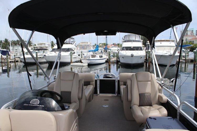 Boat for rent Sun Tracker 24.0 feet in Hollywood Marina, FL