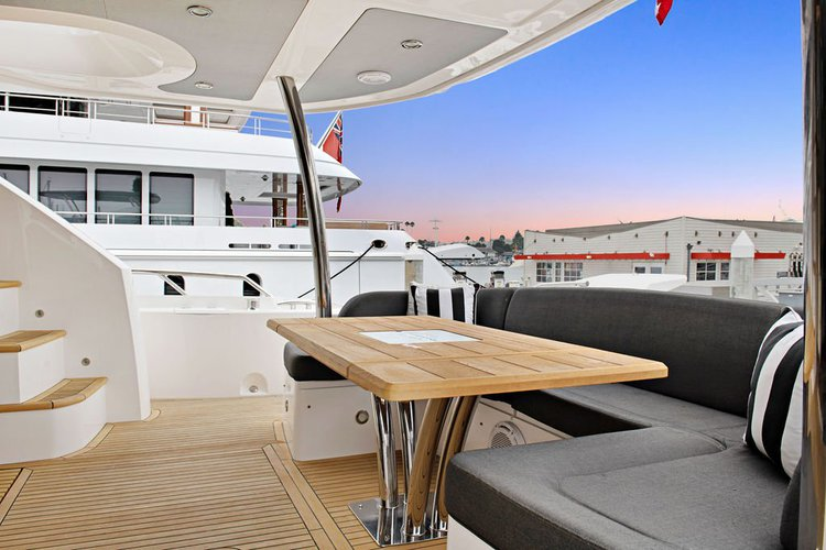 Discover Marina del Rey surroundings on this 75 Sunseeker boat
