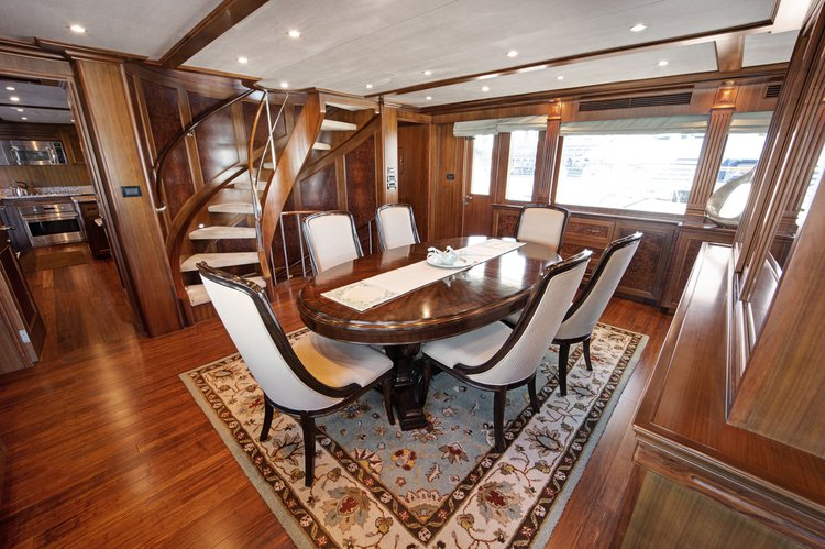 This 116.0' Transworld cand take up to 12 passengers around Long Beach