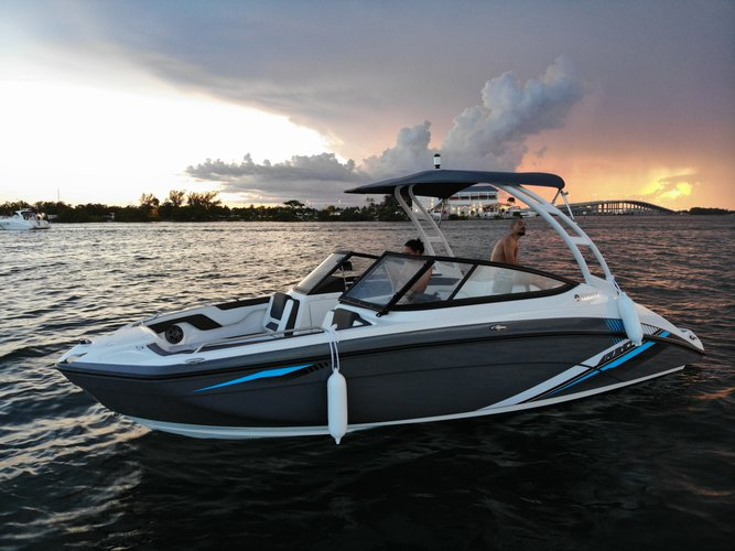 Up to 6 persons can enjoy a ride on this Jet boat boat