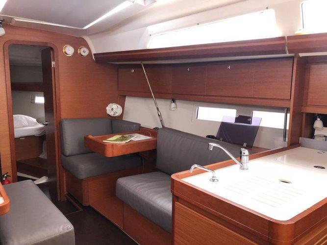 Boat rental in Scrub Island,