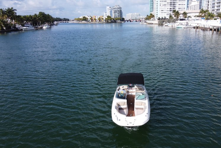 Discover Miami Beach surroundings on this HURRICANER 2019 boat