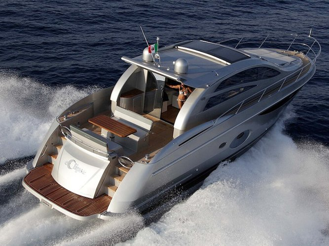 Experience Lavagna on board this elegant motor boat