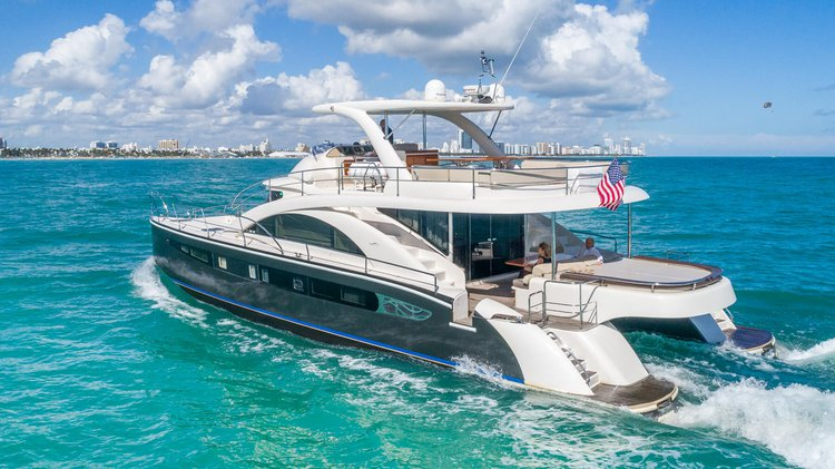 Catamaran boat rental in MBM - Miami Beach Marina, FL