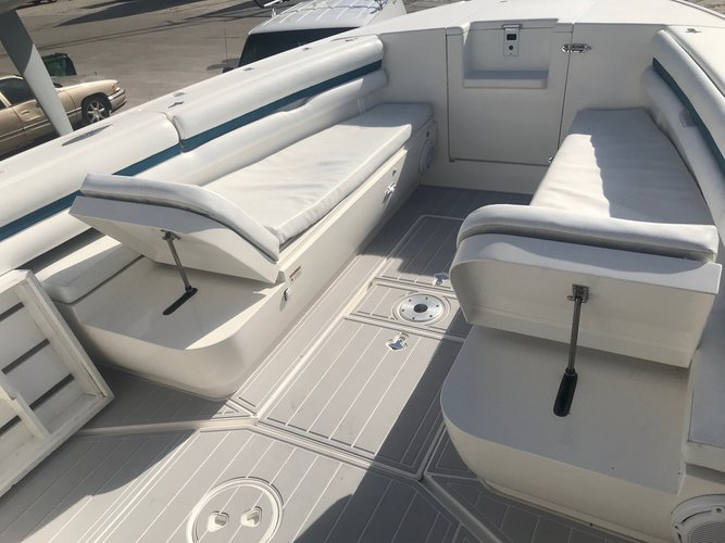 Center console boat rental in Compass Point marina, VI