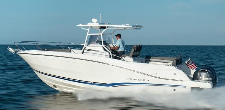 This 29.0' Jeanneau cand take up to 6 passengers around Brooklyn