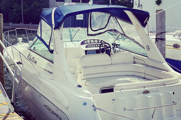 Boat for rent Monterey 33.0 feet in Vice City Marina,
