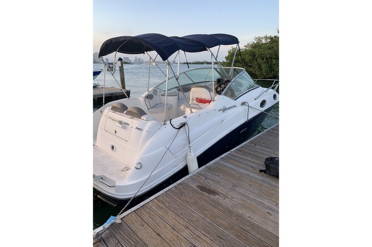 RENTAL BOAT, WITH CAPTAIN, ICE AND COOLER!! LIKE NEW!!