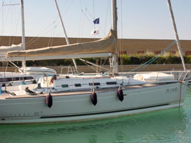 Enjoy luxury and comfort on this San Vincenzo sailboat charter