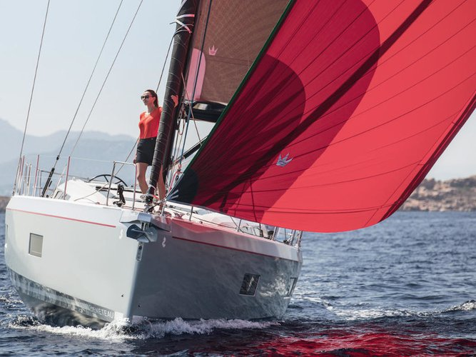 Charter this amazing Beneteau Oceanis 51.1 in Athens, GR