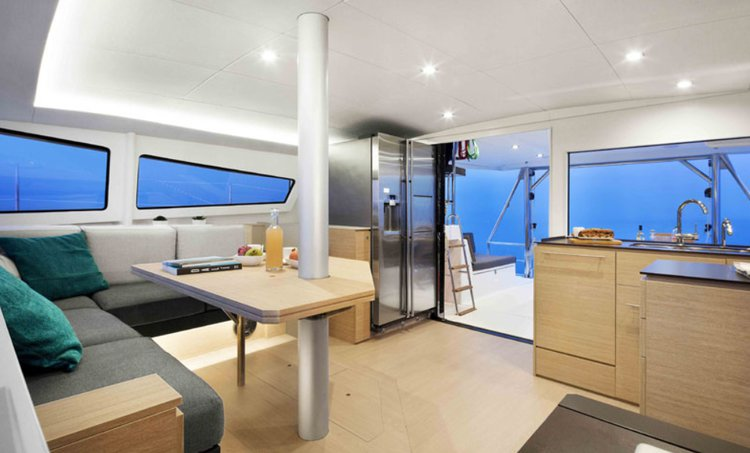 Discover Miami surroundings on this Bali 4.5 Custom boat