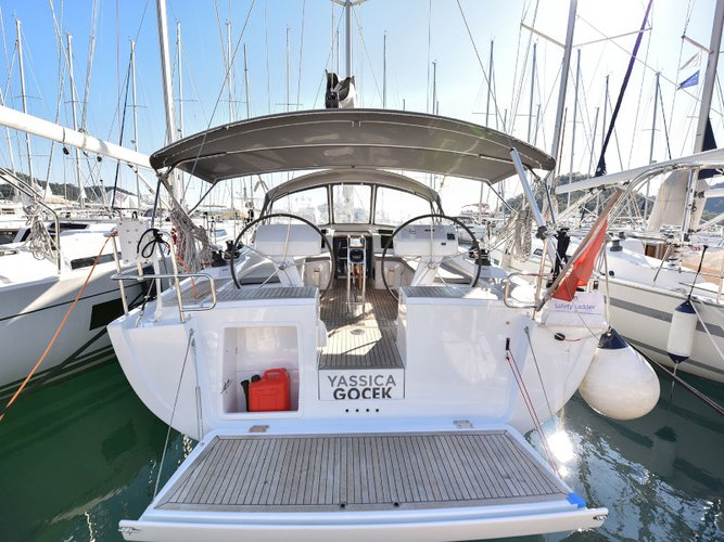 Take this Hanse Yachts Hanse 458 for a spin!
