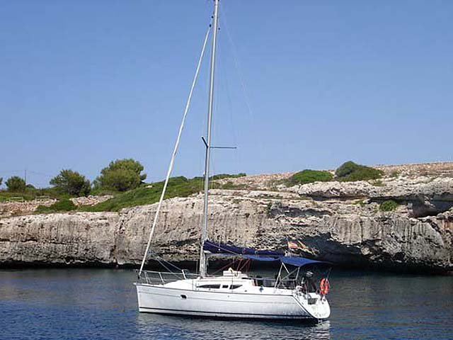 Relax on board our sailboat charter in Corfu
