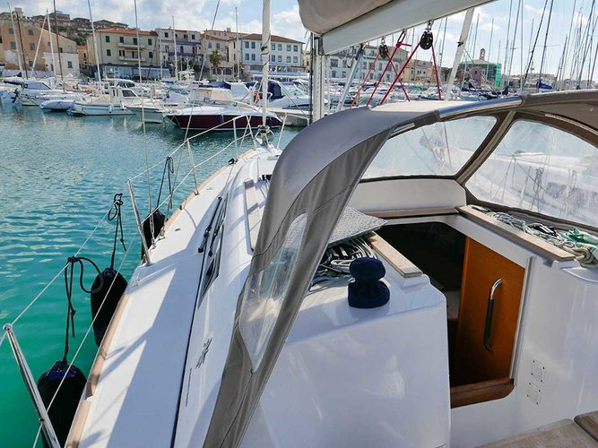 Experience San Vincenzo, IT on board this amazing Jeanneau Sun Odyssey 33i