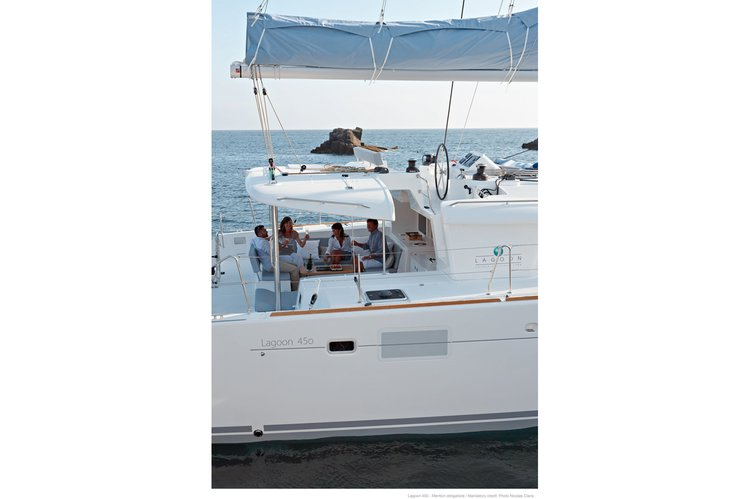 Up to 12 persons can enjoy a ride on this Lagoon boat