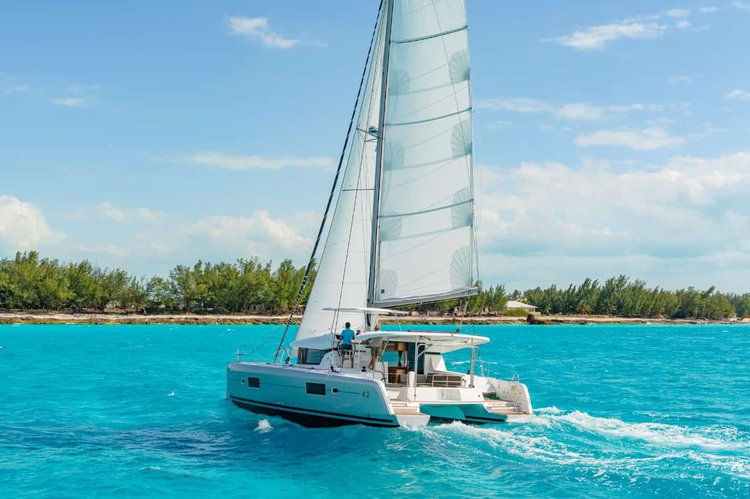 Sailing in British Virgin Islands is a pleasure on this superb Lagoon 42 catamaran