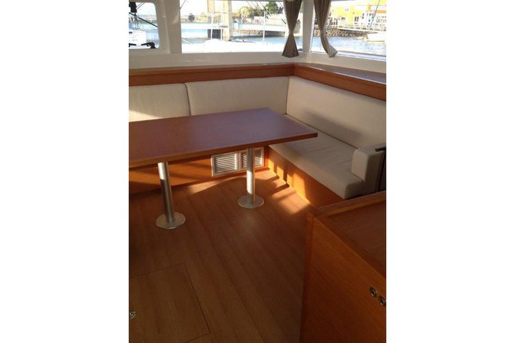 Lagoon boat for rent in Fort Lauderdale