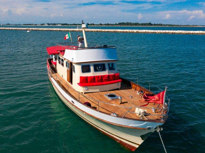 Experience Venezia on board this elegant motor boat