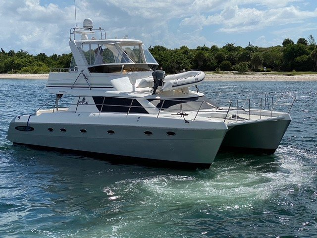 LUXURY POWERCAT, w/3 Queen Beds, 1500 mile range, upgraded and new systems for trouble free short day trips or extended cruising, fishing & diving trips
