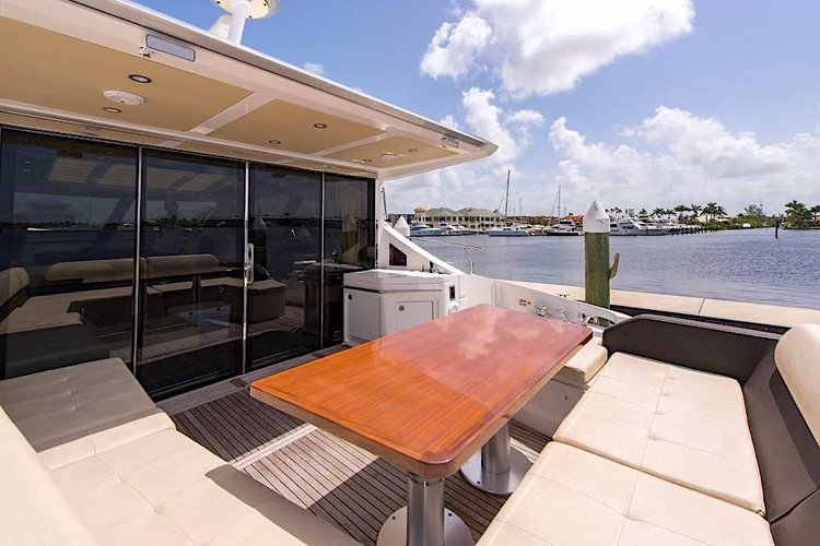Azimut boat for rent in Key Biscayne