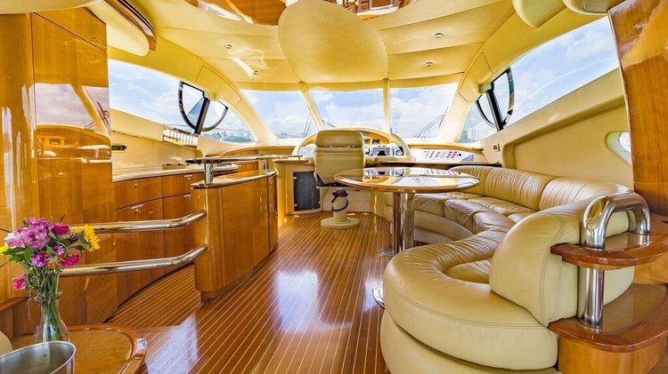 Classy & Comfortable - 55' Azimut Yacht in Miami