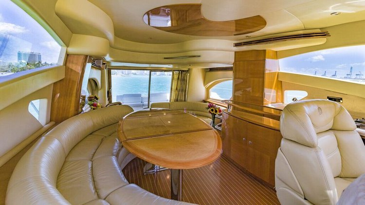 Discover Miami surroundings on this Fly Azimut boat