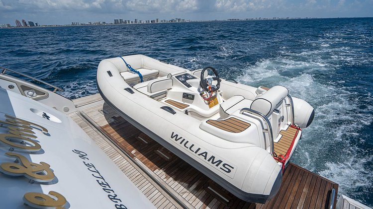 Azimut's 66.0 feet in Miami Beach