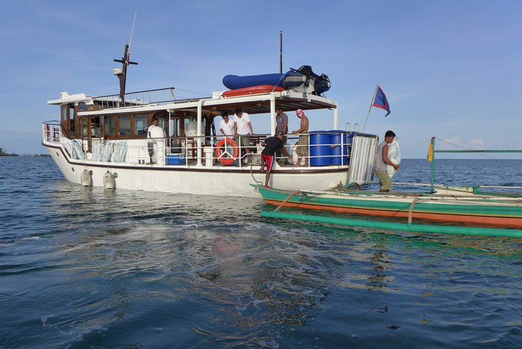 Boat for rent Hong Kong & Whampoa Dock Co. Ltd. 58.65 feet in Puerto Galera, Philippines