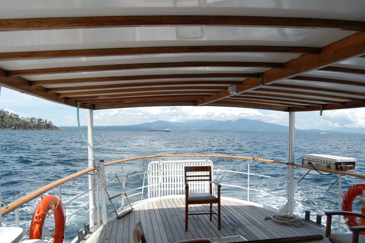 Trawler boat for rent in Puerto Galera