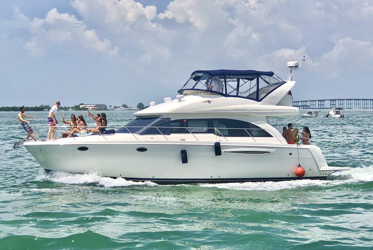 ** Miami Cruise - 50 Ft Luxury Cruiser Yacht **