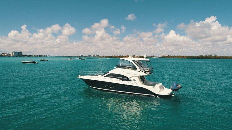 Sea Ray's 58.0 feet in Miami