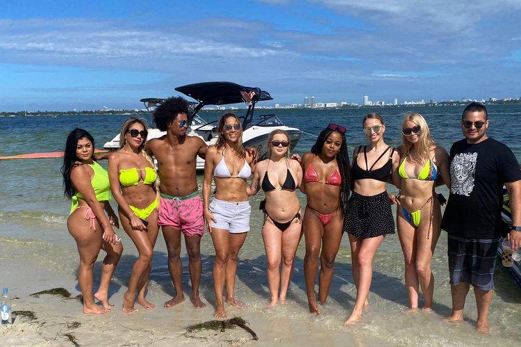 YAMAHA's 24.0 feet in Miami