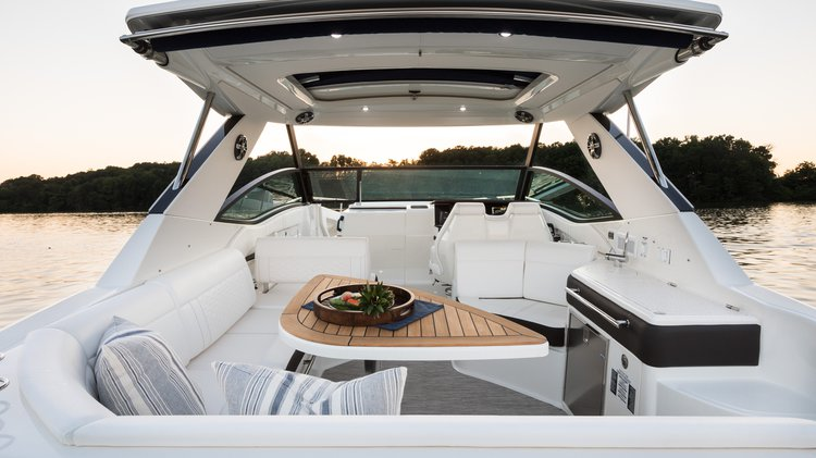 Boat for rent sundancer 32.0 feet in Bayside Marina, Miami, FL