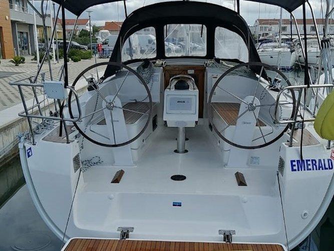 Enjoy luxury and comfort on this Bavaria Yachtbau Bavaria Cruiser 37 in