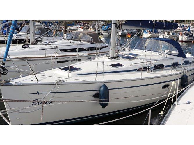 Sail Lemmer, NL waters on a beautiful Bavaria Yachtbau Bavaria Cruiser 40