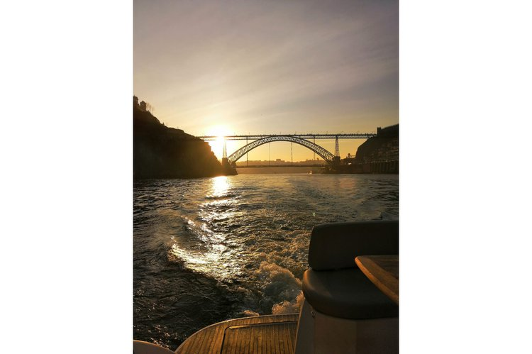 Beneteau boat for rent in Porto