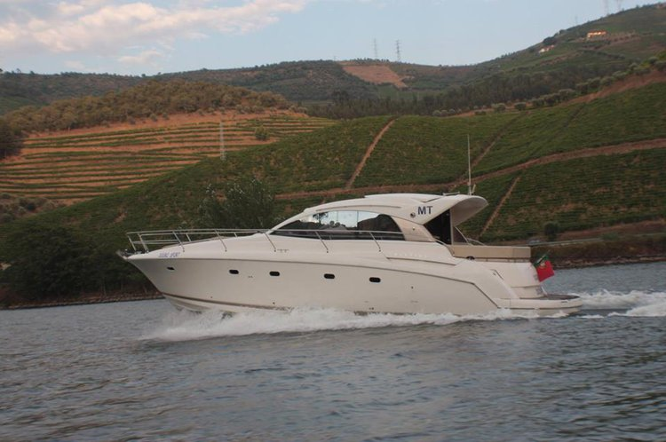 Boat rental in Porto,