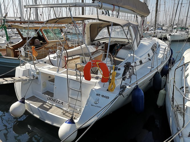 All you need to do is relax and have fun aboard the Beneteau Oceanis 50 Family