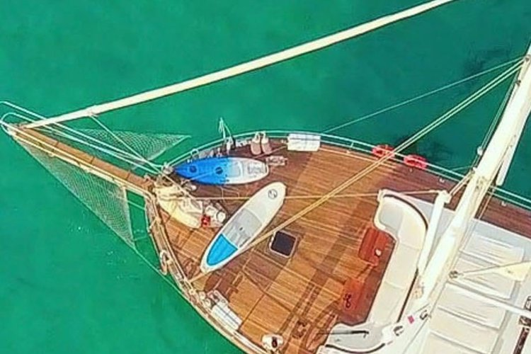 This 85.0' Boat Rental Cruise Italy cand take up to 12 passengers around Cannigione