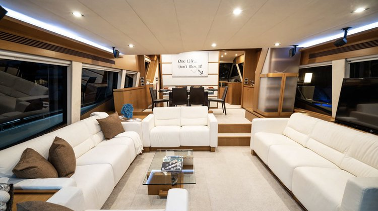 Discover Miami Beach surroundings on this 870 Ferretti boat