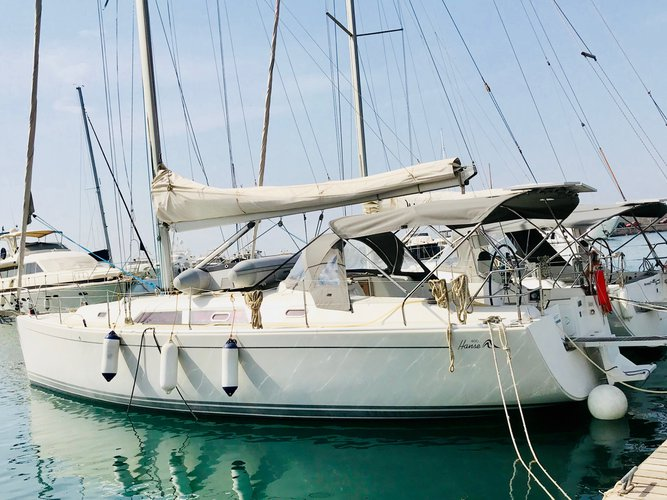 Sail Lavrion, GR waters on a beautiful Hanse Yachts Hanse 400