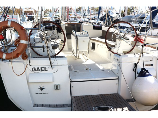 Discover San Miguel de Abona in style boating on this sailboat rental