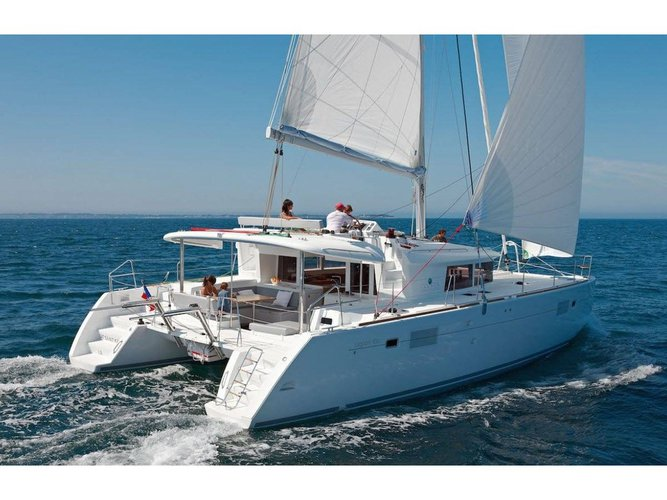 Get on the water and enjoy Marmaris in style on our Lagoon Lagoon 450  Flybridge