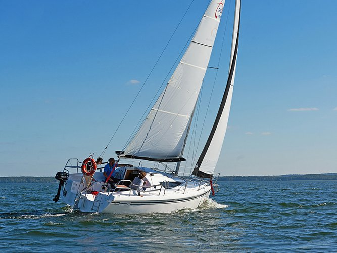 Relax on board our sailboat charter in Węgorzewo