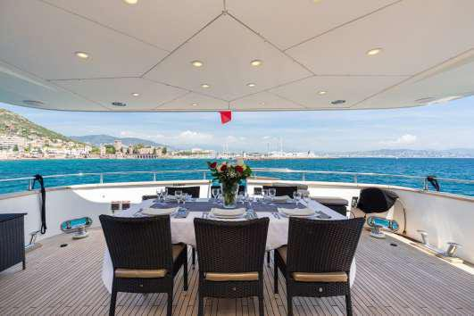 Azimut boat for rent in Cannes