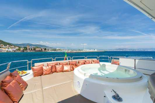 Boat for rent Azimut 98.5 feet in Cannes, France