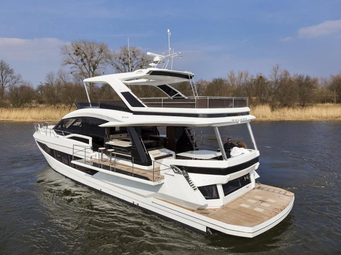 Get on the water and enjoy  in style on our Galeon Galeon 640 Fly