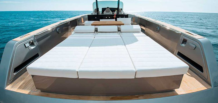 Boating is fun with a Cruiser in Sag Harbor