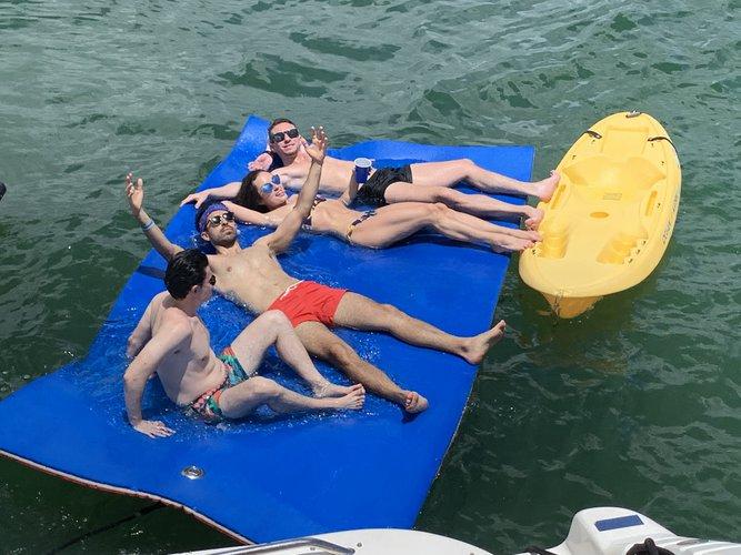 Boating is fun with a Sea Ray in Sarasota